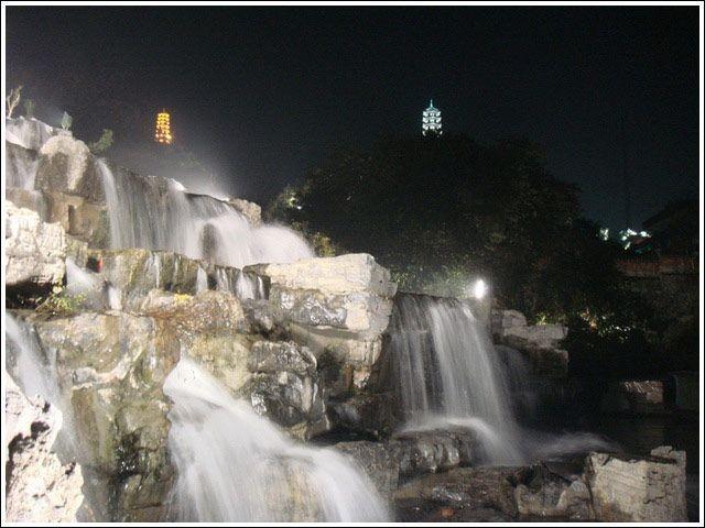 河堤瀑布6