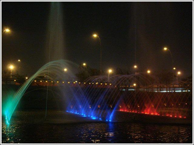 新广场喷泉4